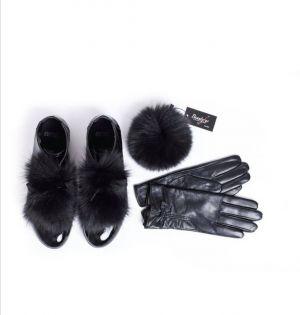 Accessories kit in black