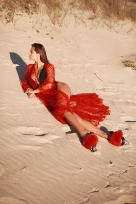 Beach dress in red