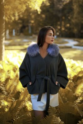 Wool and cashmere poncho with sleeves (grey)