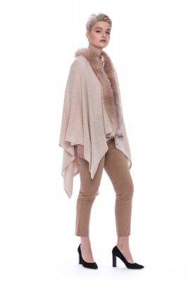 Cashmere poncho with fox fur