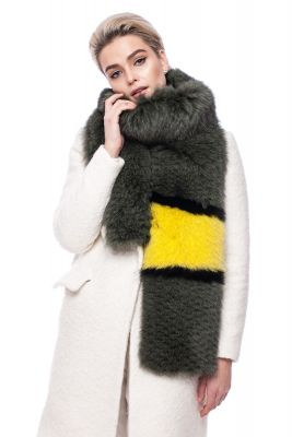 Perforated scarf fox green with yellow detail