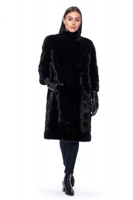 Mink fur coat in black