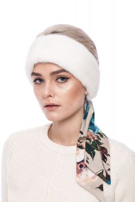 Mink band with silk shawl in white
