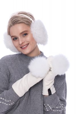 White wool mittens with white fox pompom
