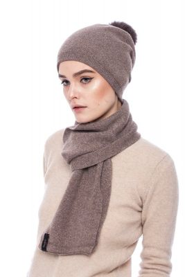 Knitted brown cashmere and wool set
