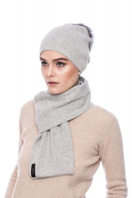 Knitted grey cashmere and wool set
