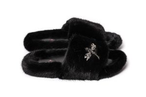 Slippers with mink fur in black colour