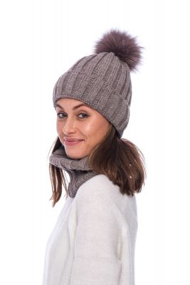 Set of wool snood and hat with pompom (brown)