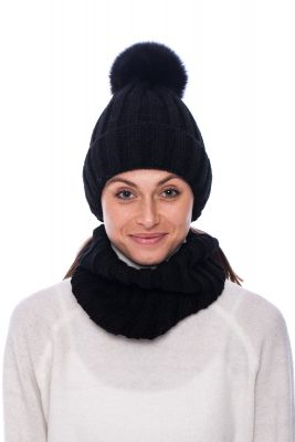Set of wool snood and  hat with pompom (black)