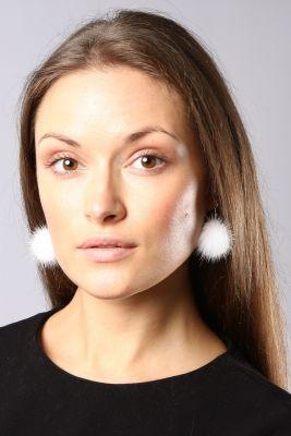 Earrings short white