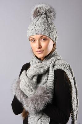 Woolen grey color mittens