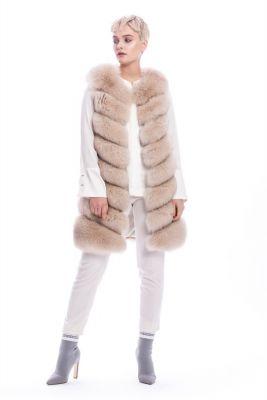 Long vest of beige fox fur