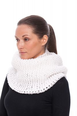 Wool hood/snood (white)