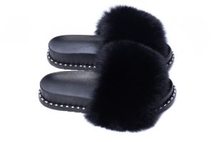Slippers with fox fur black