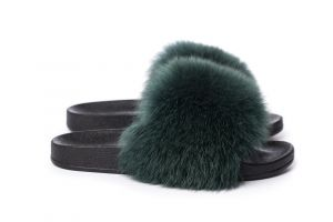 Slippers with green fox fur