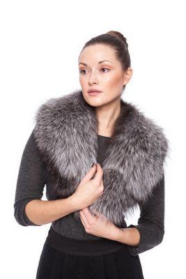Silverfox fur collar