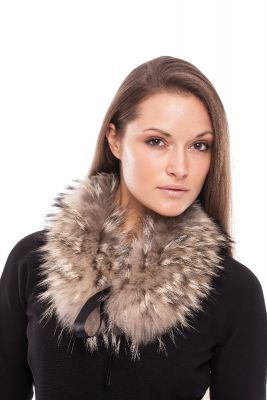 Raccoon fur collar