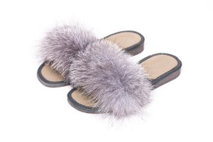 Slippers with blue silver fox fur