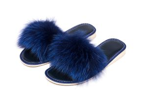 Slippers with blue fox fur