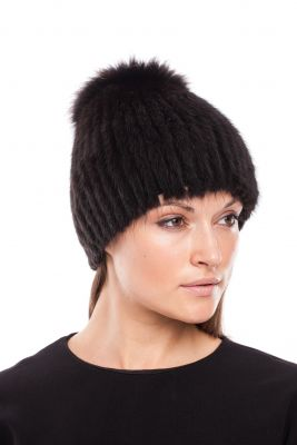 Knitted hat Sport with mink/fox (black/black).