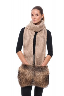 Wide Wool scarf beige with raccoon fur pockets