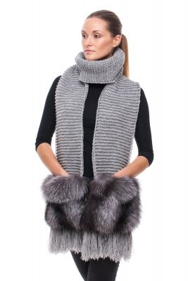 Wide Wool scarf grey with blue silver fox fur pockets