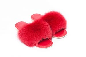Slippers with red fox fur