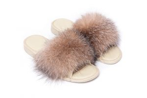 Slippers with fox fur golden frost