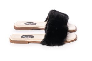 Slippers with mink fur in black