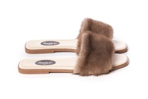 Slippers with mink fur in brown
