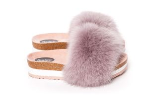Slippers with fox fur in dusty rose
