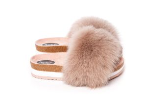 Slippers with fox fur in beige