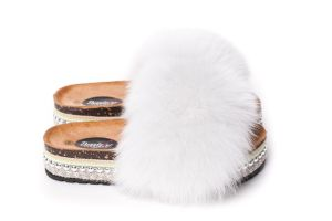 Slippers with fox fur white