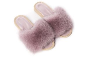 Slippers with dusty rose fox fur