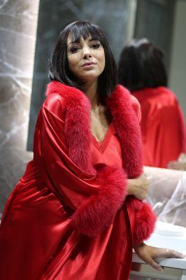 Satin robe with fox fur decor red
