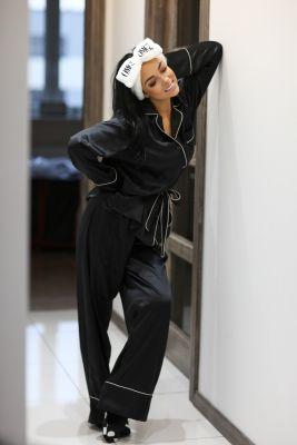 Set of silk nightwear pyjamas and slippers in black