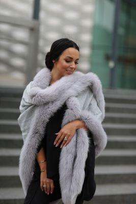 Cashmere shawl grey with fox fur grey