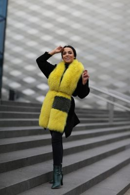 Perforated scarf fox yellow