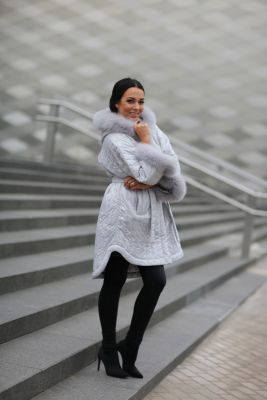 Hooded jacket with fox fur in grey color