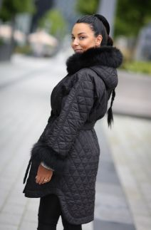 Hooded jacket with fox fur in black colour